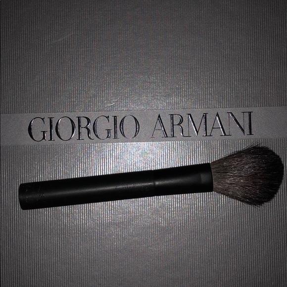 uusi korkea yksityiskohtaisesti alennuksessa Giorgio Armani Brush